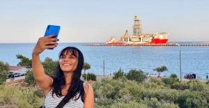 Kırmızı beyaza boyanan 'Kanuni', Akdeniz'e açılmaya hazırlanıyor